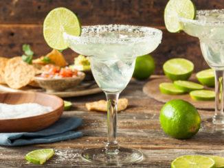 Coole Drinks und frische Snacks für heiße Tage