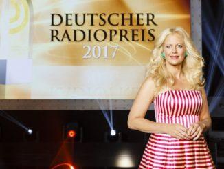 """Am 7. September präsentiert Barbara Schöneberger die Gala zum """"Deutschen Radiopreis 2017"""" in der Hamburger Elbphilharmonie"""