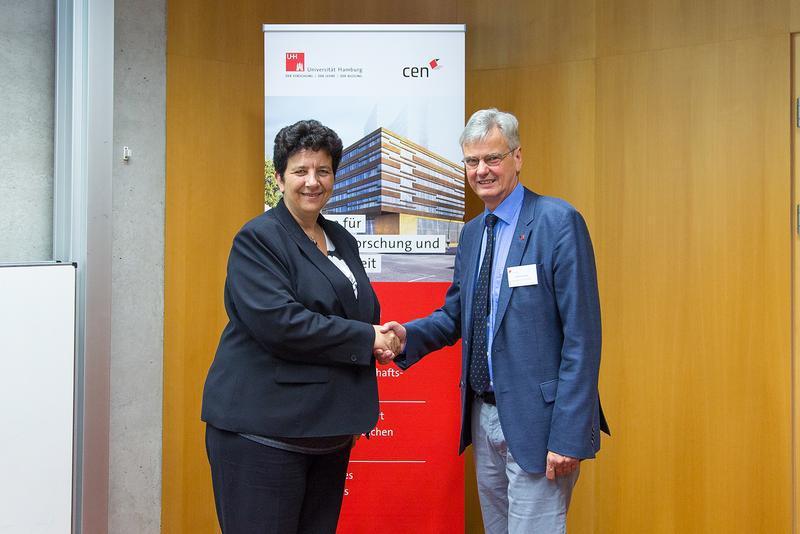 Wissenschaftsministerin Frédérique Vidal und Prof. Dr. Jan Louis, Vizepräsident der Universität Hamburg (UHH/Dingler)