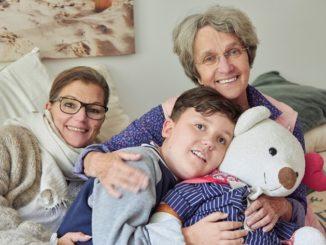 """""""Botschafterin"""" Ingrid Heinsen setzt sich mit ihrer Stiftung Klingelknopf für die Inklusion an Neurofibromatose erkrankter Kinder ein"""