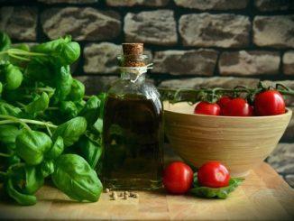 Olivenöl und Grünzeug