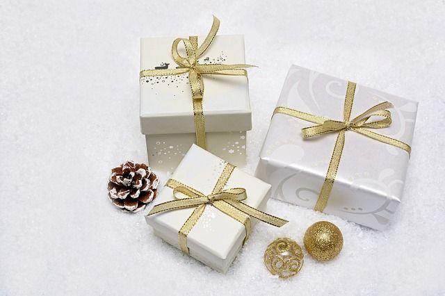 und viele Geschenke unter dem Baum !