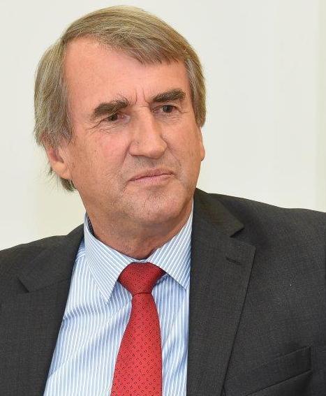 Dr. Thies Claussen