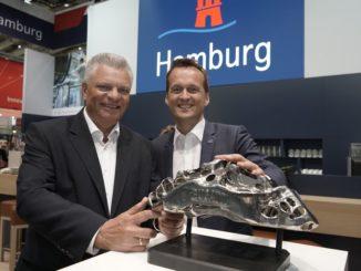 Professor Emmelmann (Fraunhofer IATP), Dr. Rolf Strittmatter (Hamburg Invest)