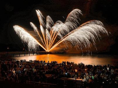 Feuerwerk für Augen und Ohren