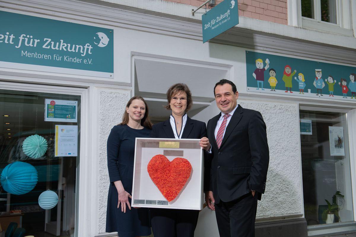 Senatorin Dr. Melanie Leonhard (Schirmherrin), Dr. Kathrin Sachse, Stephan Liesegang (Vorstand Sparda-Bank Hamburg eG)