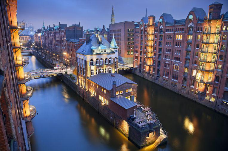 Die Speicherstadt Hamburg ist als Destination für Weihnachstfeiern sehr beliebt