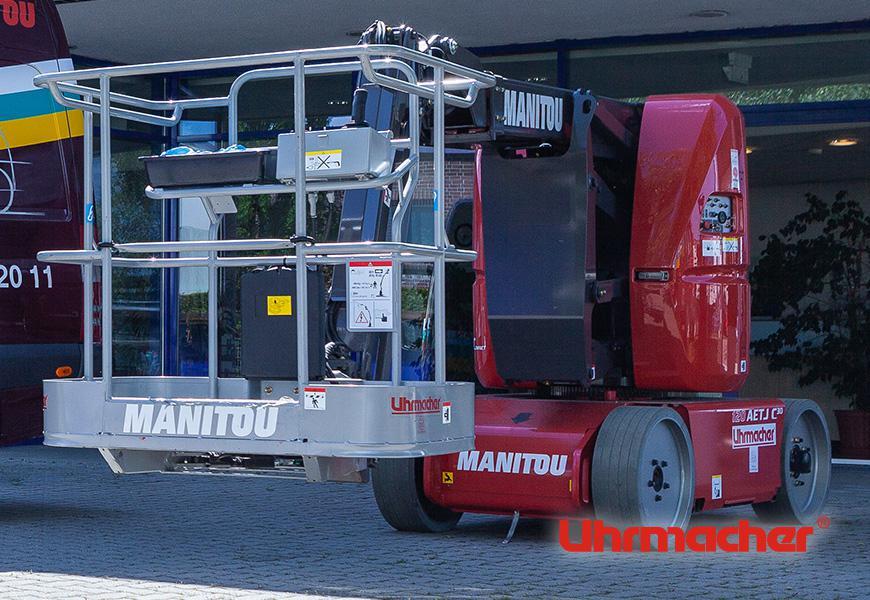 Arbeitsbühne der Uhrmacher Industriefahrzeuge KG ©LL Werbeagentur Hamburg