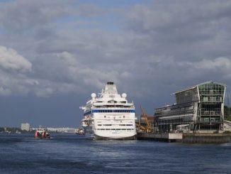 Unglaubliche Mengen an Abgasen und Schadstoffen aus dem Hafen ziehen in die Stadt