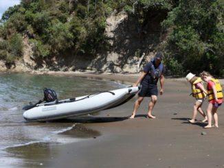 Takacat-Schlauchboot ist leicht zu transportieren