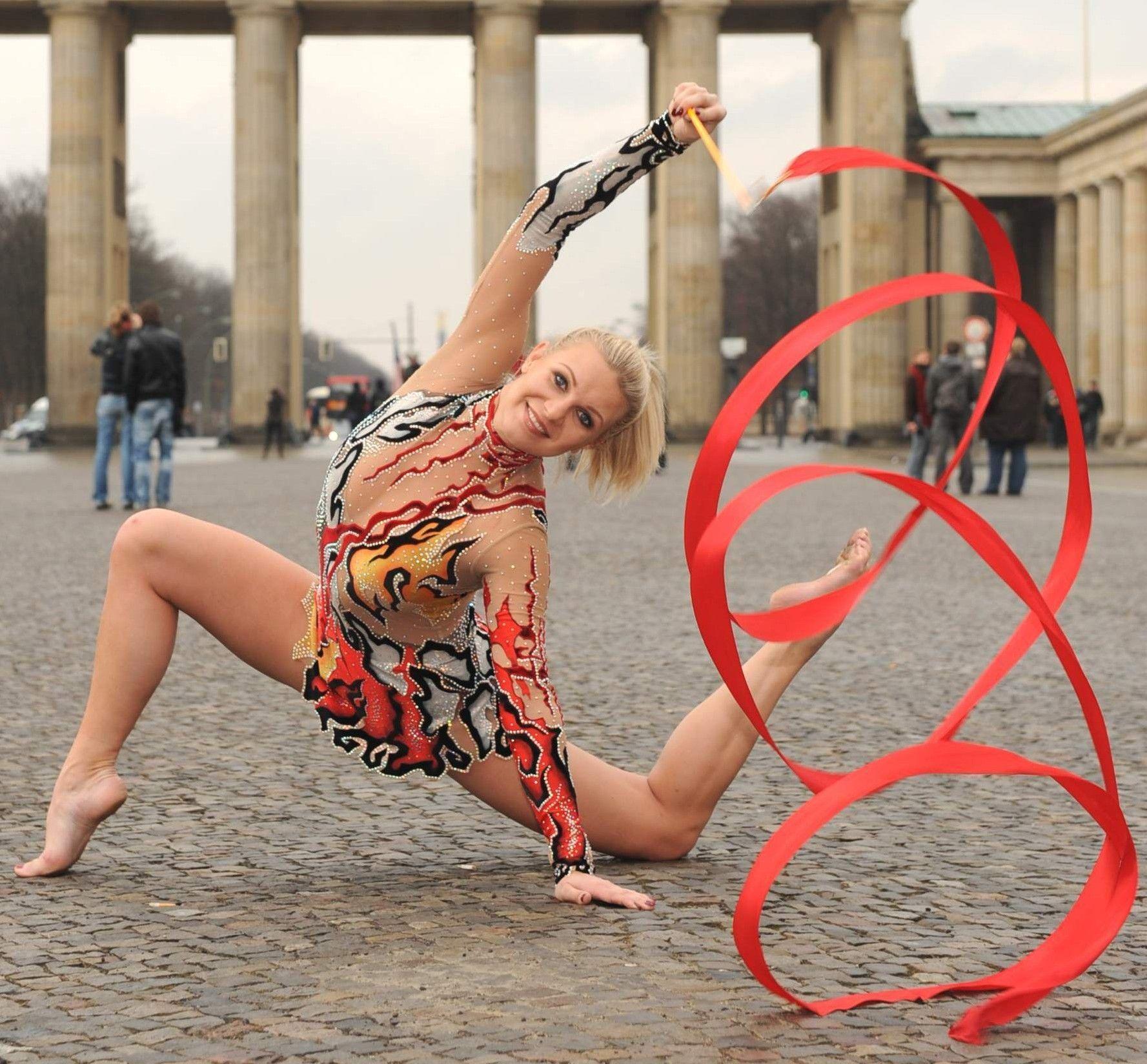 Ein Shopping-Sonntag mit Gymnastik-Ikone und TV-Star Magdalena Brzeska