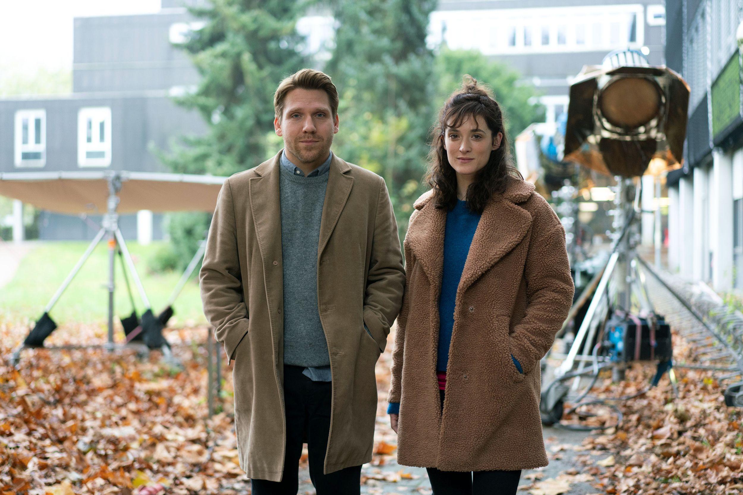 In Hamburg: ZDF dreht Drama mit Friederike Becht und Hanno Koffler