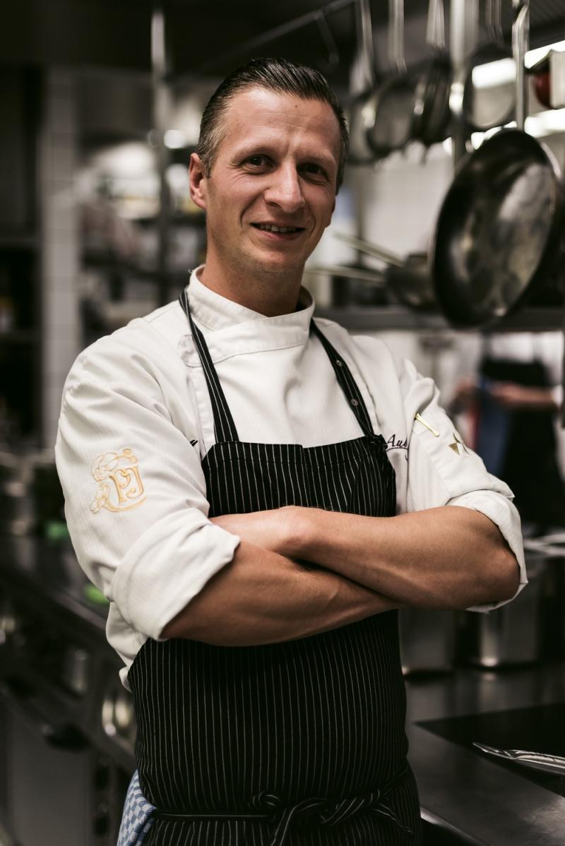 Der Sternekoch des Gourmetrestaurant Aubergine