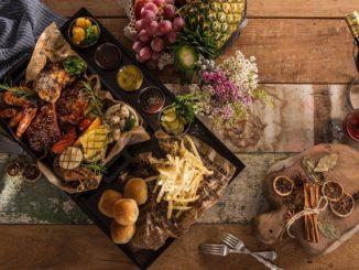 Studie: Deutsche bestellen im Restaurant gerne Fleisch Besonders beliebt sind Steaks und Burger sowie die italienische Küche