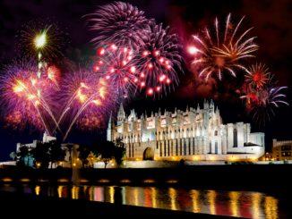 Palma de Mallorca, Feuerwerk über der Kathedrale