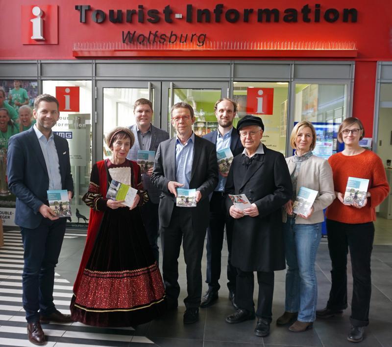 Die WMG und ihre Partner präsentierten das neue Programm. (c) WMG Wolfsburg