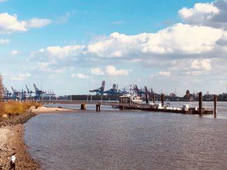 Die Elbe bei Teufelsbrück