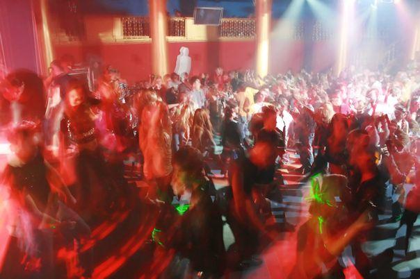 Wann werden die Clubs und Discotheken wieder geöffnet?