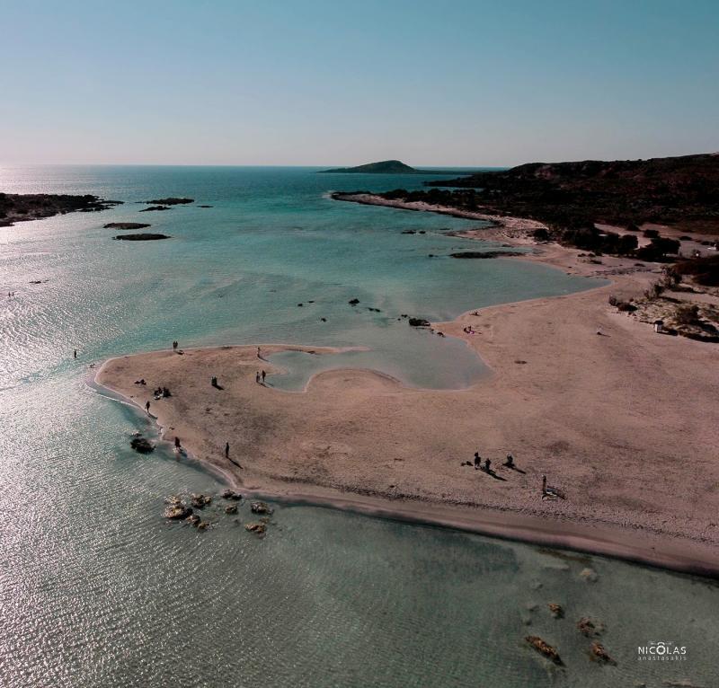 Kretas rosa Strand mit Karawane Reisen besuchen