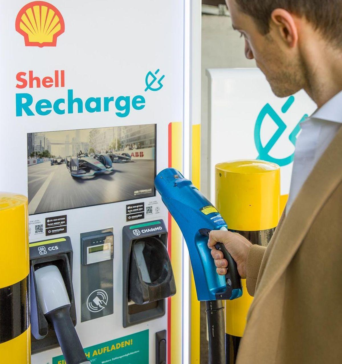 Shell nimmt in Hamburg erste eigene Schnellladesäulen in Betrieb