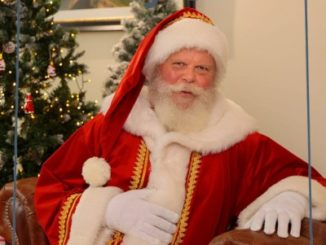 Deutschlands wohl berühmtester Weihnachtsmann rettet die Feiertage!