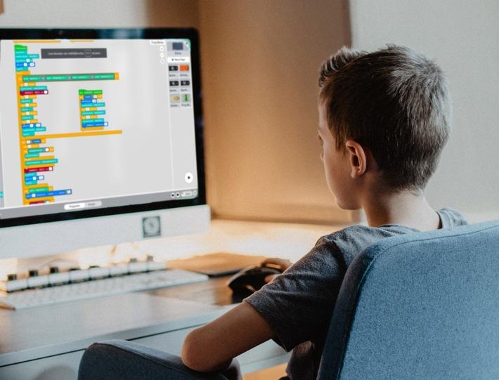 In Online-Kursen und -Camps spielerisch programmieren lernen!