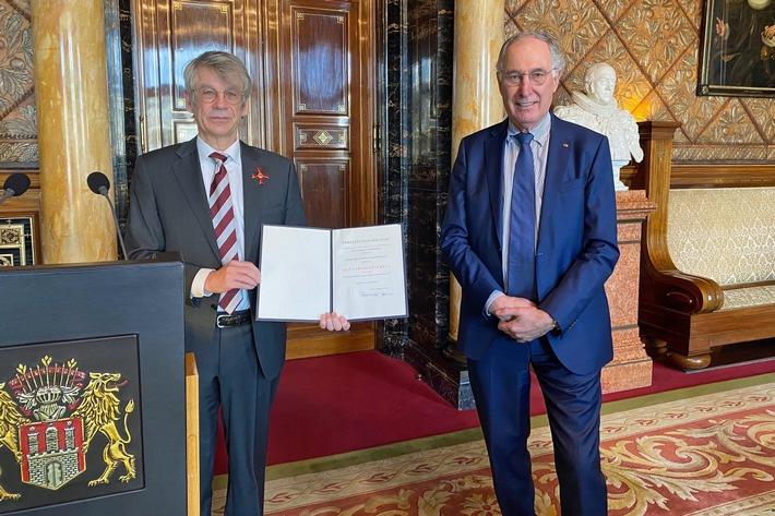 Bundesverdienstkreuz für Dr. Norbert Kloppenburg