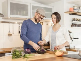 Die bekannten Kochbuch-Entwickler und Ökotrophologen Sarah Schocke und Alexander Dölle