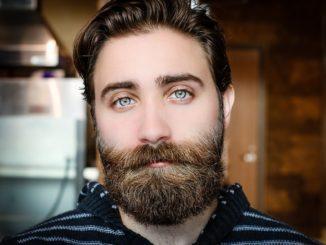 Mann mit Bart